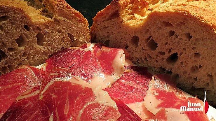 pan y jamón en el bocadillo